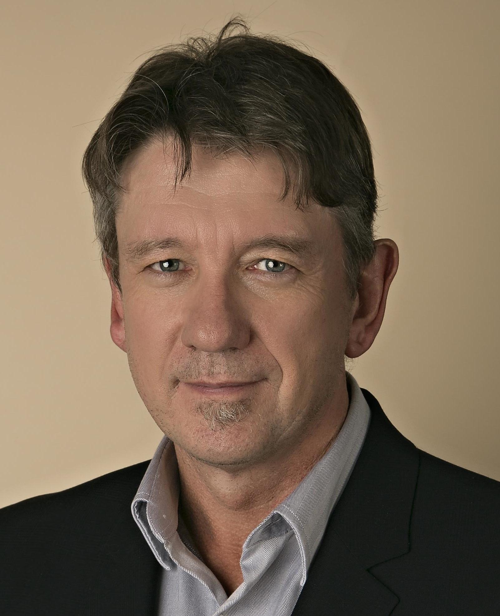 Dr Alan Home headshot - left colour crop